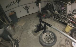 Как разбортировать бескамерное колесо на ВАЗ самому: как бортировать домкратом и тросом?