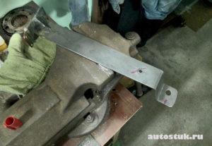 Как сделать подлокотник своими руками? Как сделать подлокотник в машину?