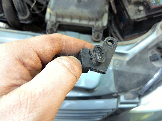 Замена датчика фаз на автомобилях Лада Калина, Приора и Гранта (16 клапанов)
