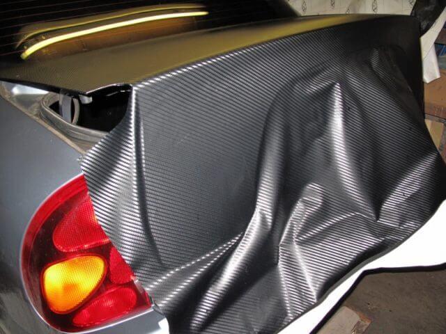 Как клеить пленку на авто: правила выполнения своими руками в домашних условиях