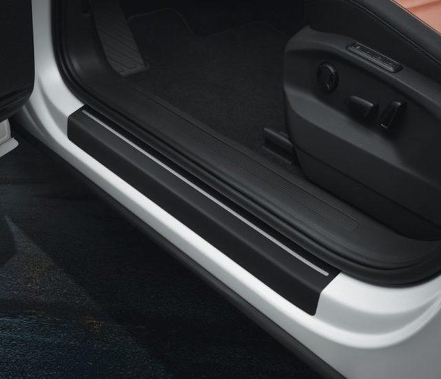 Антигравийная пленка на автомобиль: отзывы автомобилистов. Как наклеить защитную пленку на авто