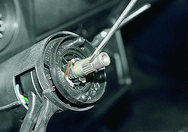 Как снять руль на ВАЗ 2107: пошаговая инструкция для новичков