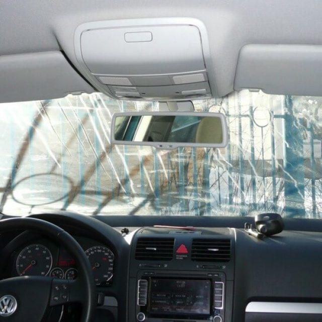 Как и чем приклеить зеркало заднего вида на лобовое стекло: выбор клея, инструкция