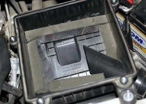 Как заменить воздушный фильтр на Лада Приора без обращения в СТО