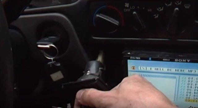 Каки куда подключить видеорегистратор в автомобиле правильно? Как провести, проложить провод от видеорегистратора: схема