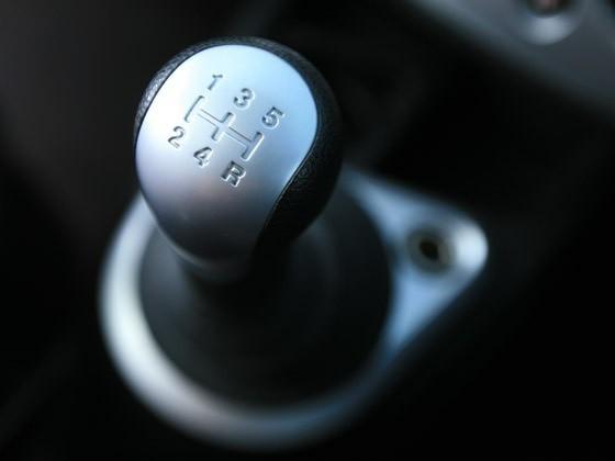 Как правильно тормозить на «механике».Как плавно тормозить на «механике»