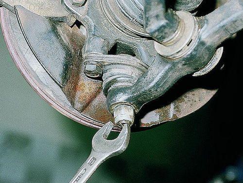 замена шаровой опоры ваз 2110 без съемника