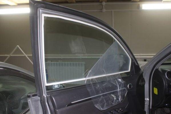 Как бороться с запотеванием стекол в автомобиле зимой?