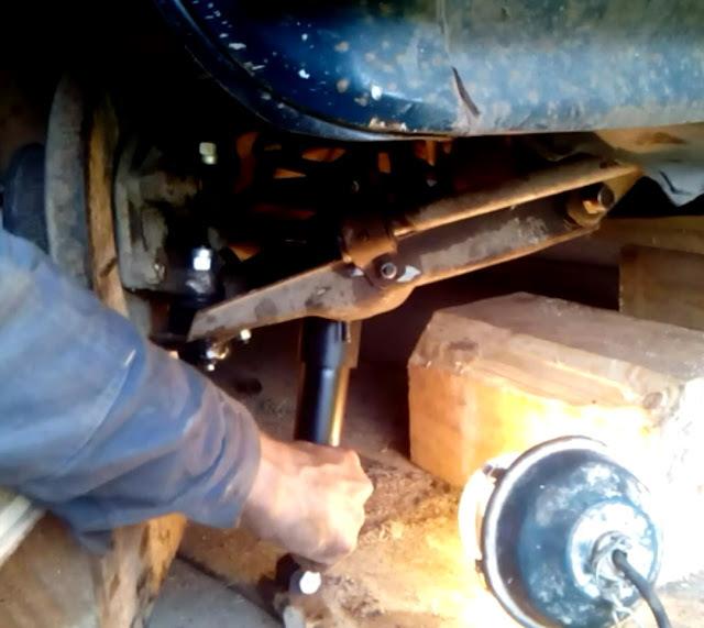 Замена амортизаторов на ВАЗ 2107: фото и видео