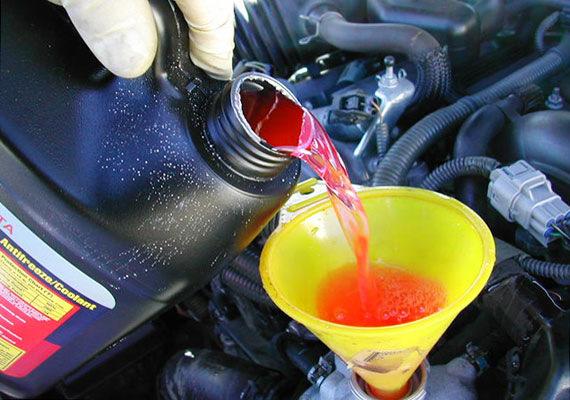 Замена тосола или антифриза на автомобилях LADA