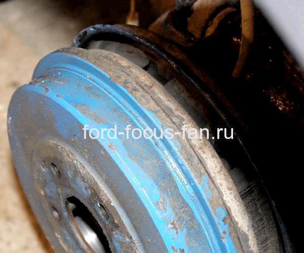 Как заменить задние тормозные колодки Форд Фокус 2