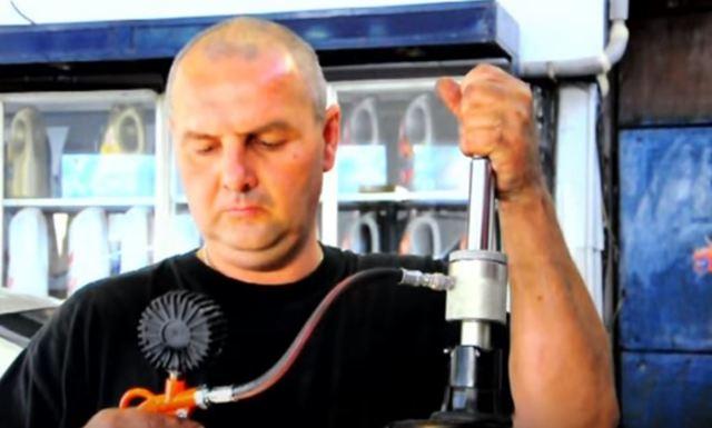 Ремонт стоек амортизаторов авто своими руками: все методы ремонта
