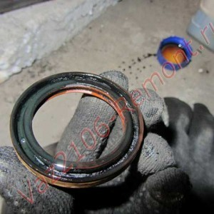 Какая резьба на шкиве коленвала ваз 2107