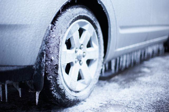 Замёрзла вода в двигателе: причины, действия, устранение