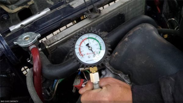 Компрессия в двигателе ВАЗ 2106: давление, степень сжатия