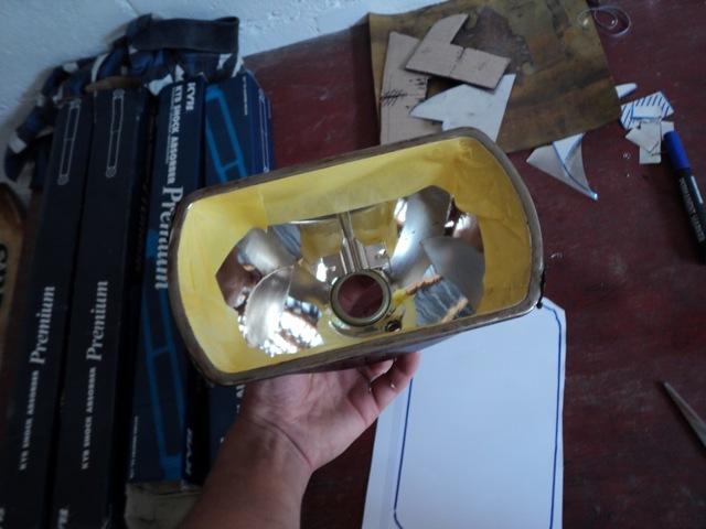 Восстановление отражателя фары: проблемы, 3 варианта ремонта