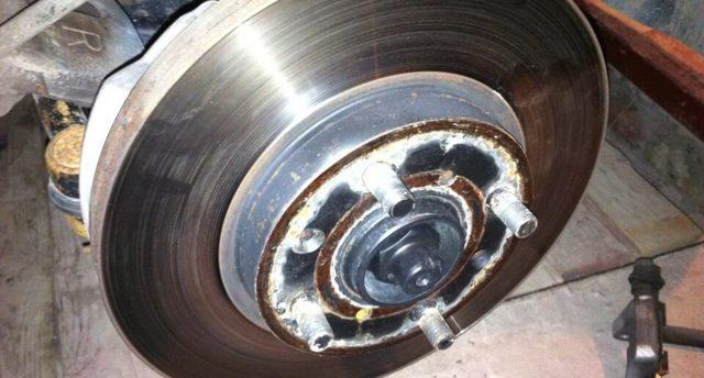 Замена тормозных дисков (задних, передних): видео, инструкция